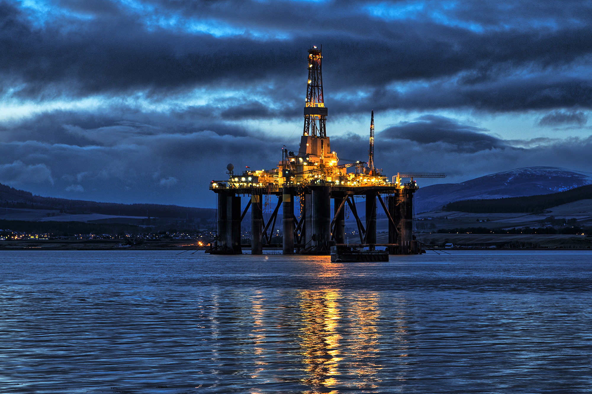 Low Light, Oilrig, Cromarty Firth